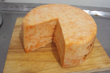 גבינת עיזים מסוג בל פאיז